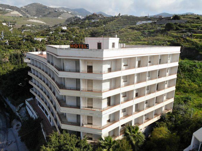 HOTEL TARAMAY (72 APARTAMENTOS DE HASTA 3 HABITACIONES)
