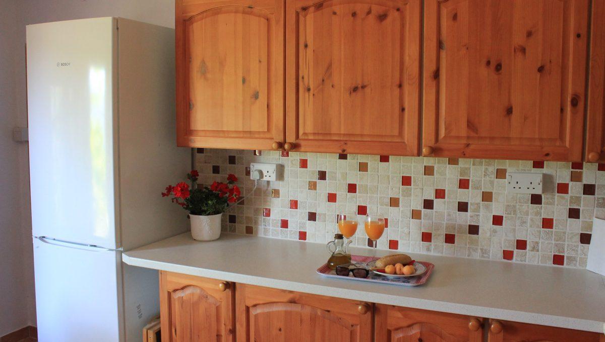 019 Kitchen fridge