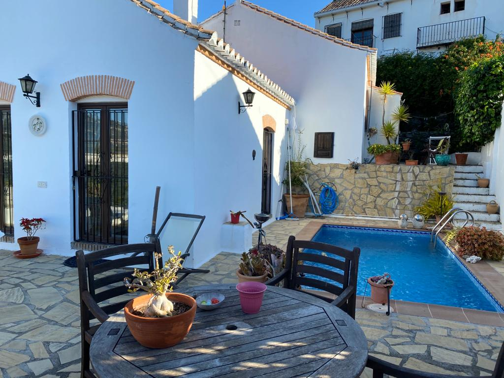 CHALET INDEPENDIENTE + APARTAMENTO